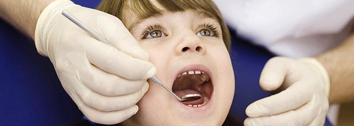 Qual é a hora certa de levar a criança no dentista?