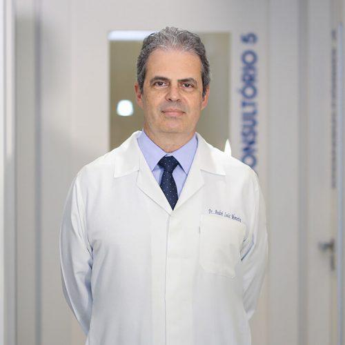 Dr. André Monteiro