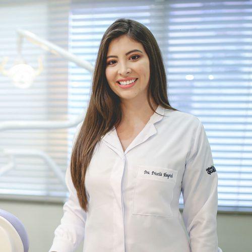 Dra. Priscila Mangrich